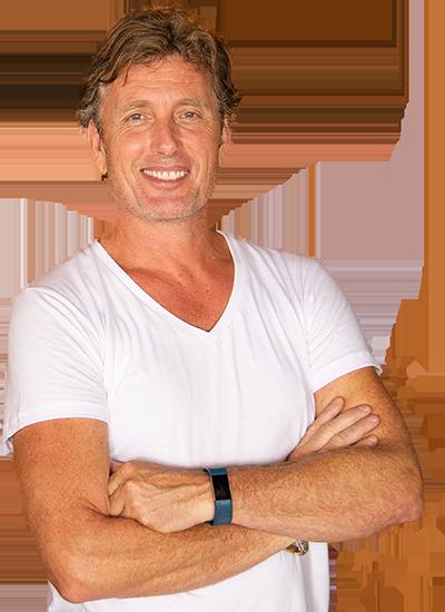 harry in white shirt, smiling -owner of zero zero Beachclub in Altea